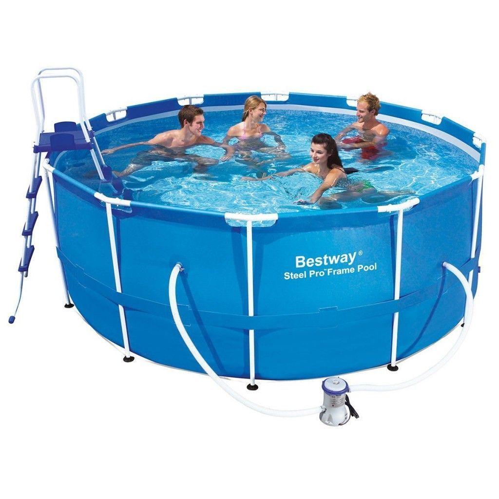 Swimmingpool mit Vor- und Nachteilen