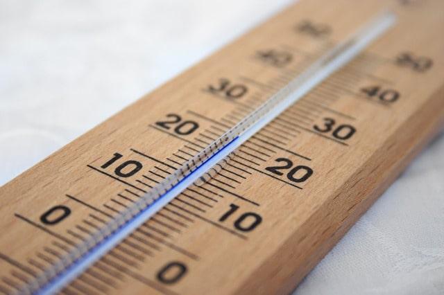 pool outdoor temperatur